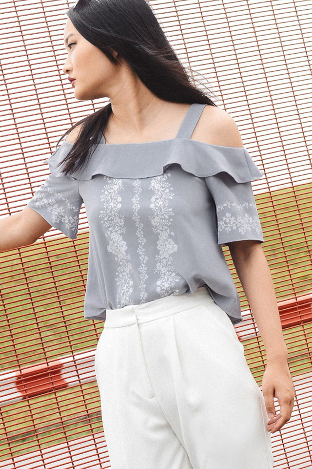 AMBREIL TOP IN MOONSTONE GREY