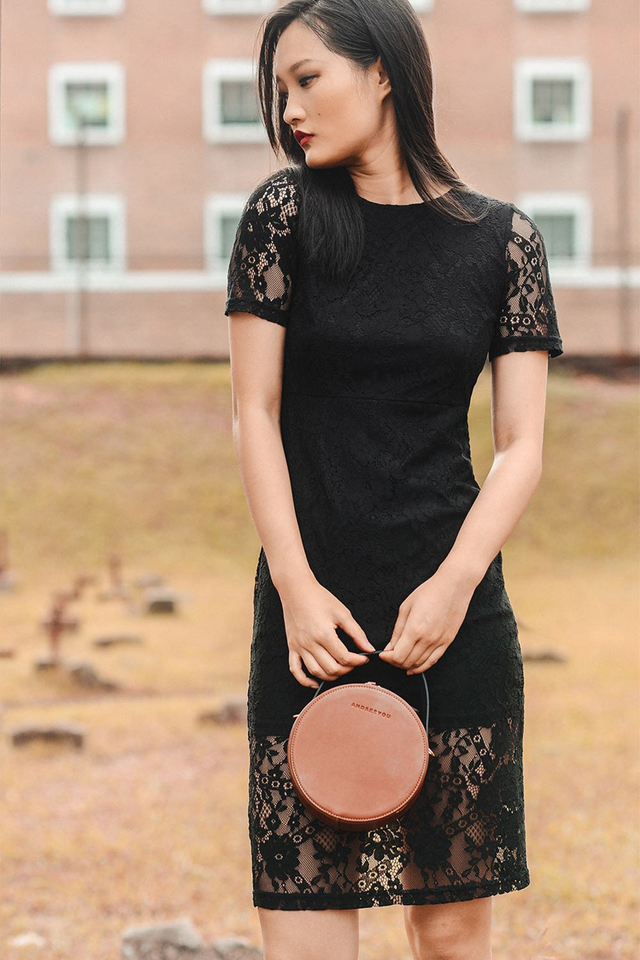 ANNALISE LACE MIDI IN BLACK