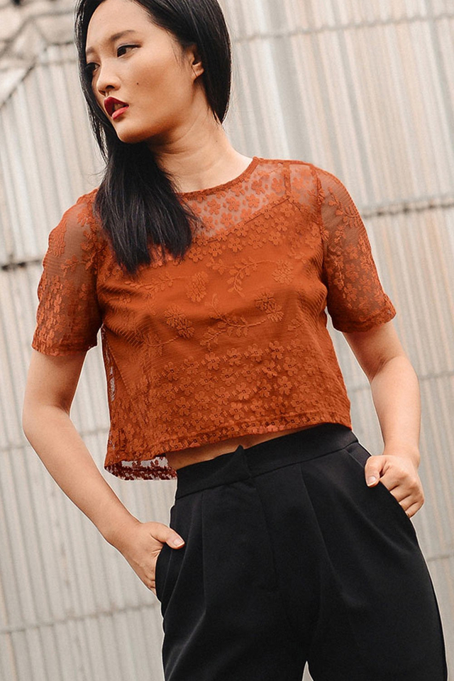 LEAV LACE TOP IN RUST