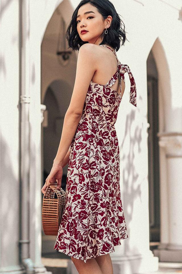 SAVANNAH TIE-BACK DRESS IN BURGUNDY