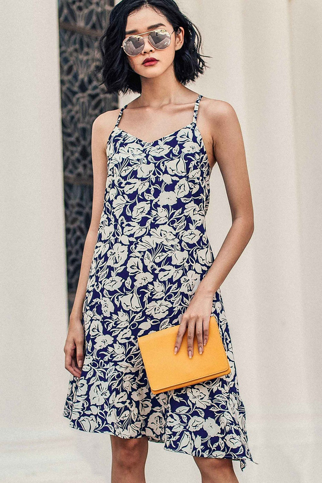SAVANNAH TIE-BACK DRESS IN NAVY