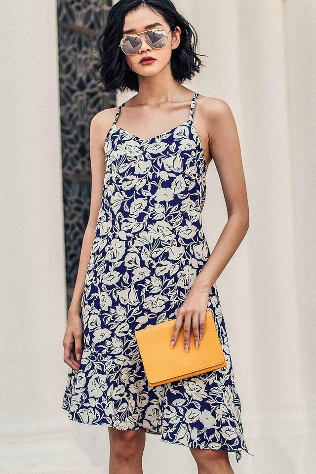 SAVANNAH TIE-BACK DRESS IN NAVY