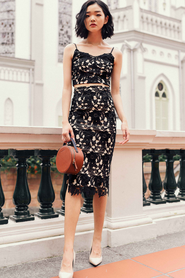 TARA CROCHET MIDI IN BLACK