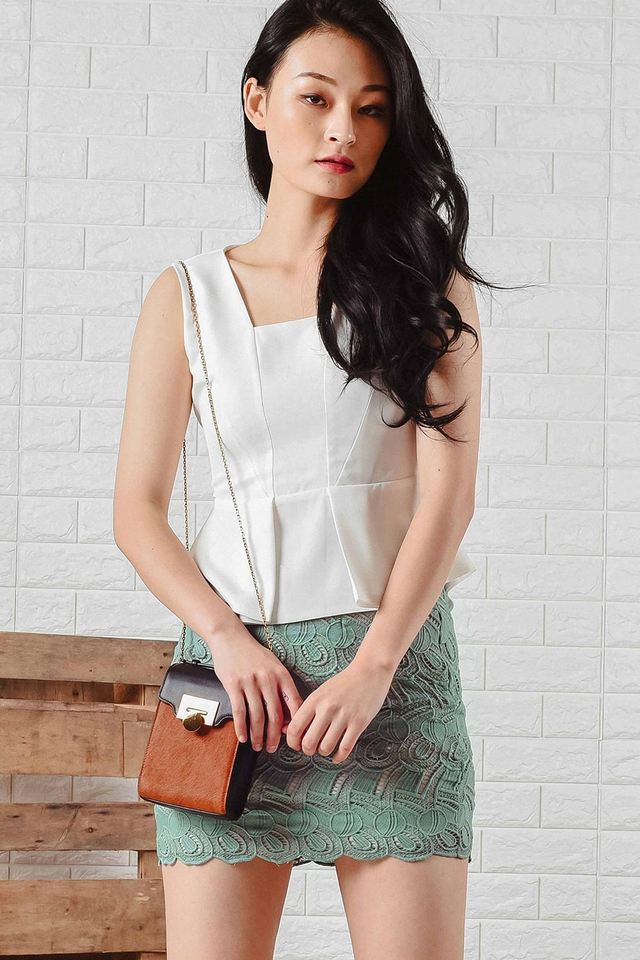 LIBERTY PEPLUM TOP IN WHITE