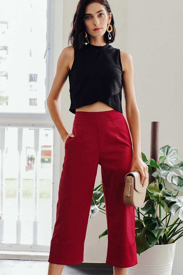 KIKO CUFFED PANTS IN RED