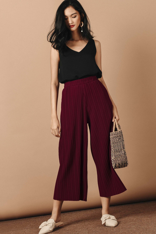 KEATON PLEAT PANTS IN MAROON