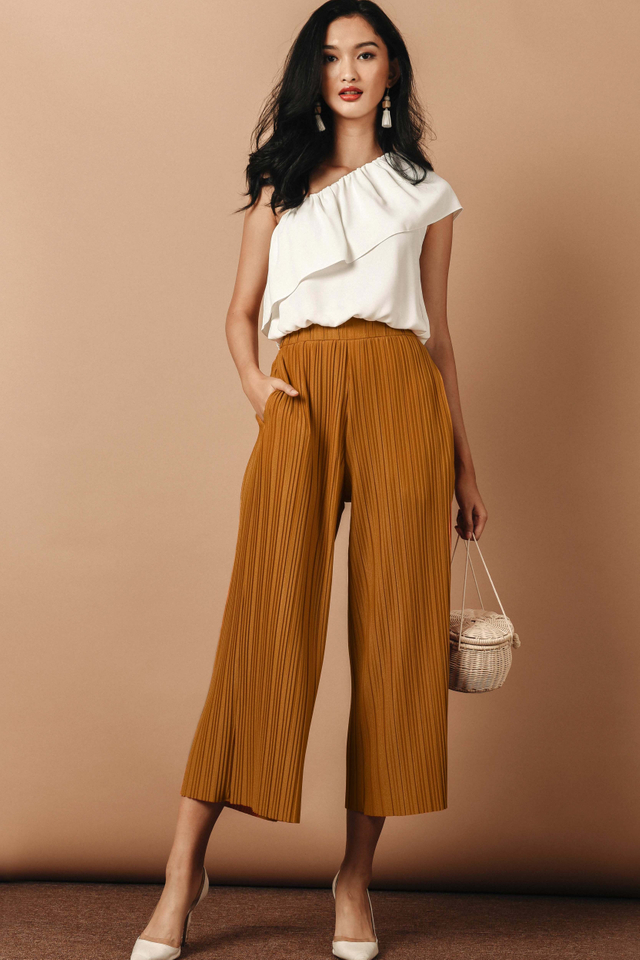 KEATON PLEAT PANTS IN NUTMEG