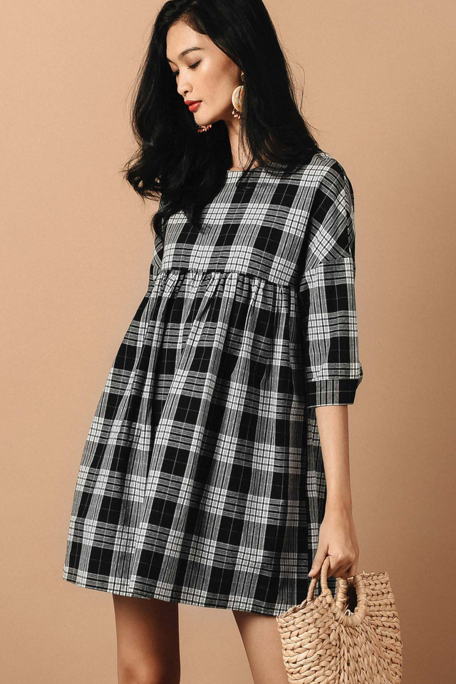 PLAID BABYDOLL PLAYSUIT DRESS IN MONOCHROME