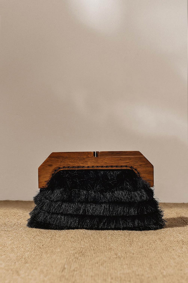 FRINGE WOODEN CLUTCH