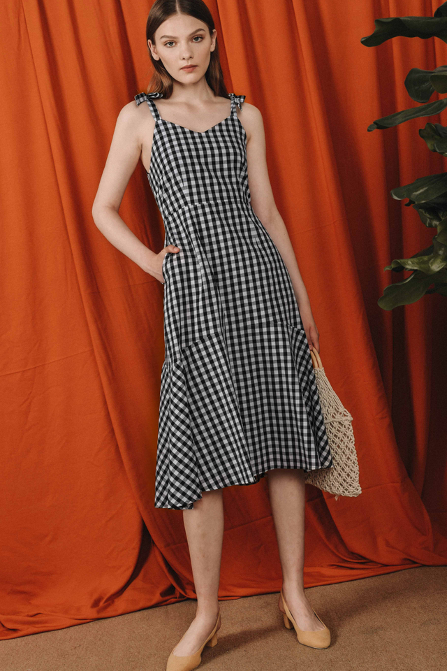 SIMMONS GINGHAM MIDI IN MONOCHROME