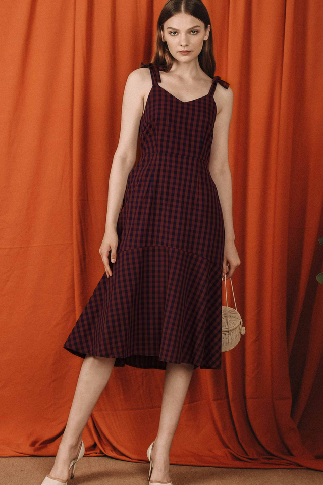 SIMMONS GINGHAM MIDI IN BRICK NAVY