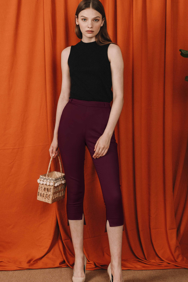 WHITMAN CAPRI PANTS IN MAROON