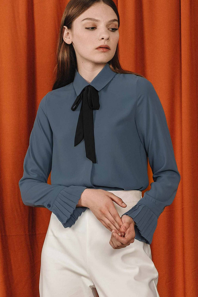 MORISSON BLOUSE IN DUSK BLUE
