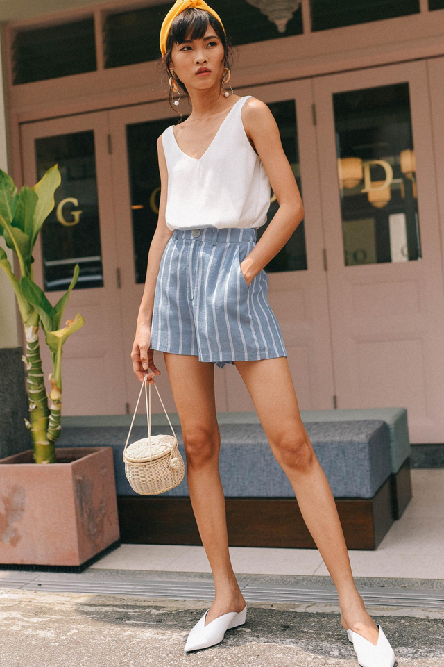 *RESTOCKED* STRIPED LINEN SHORTS IN BLUE