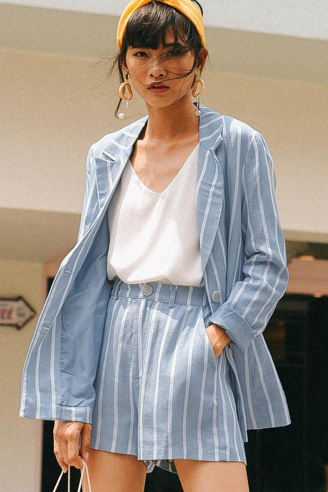 *RESTOCKED* STRIPED LINEN BLAZER IN BLUE
