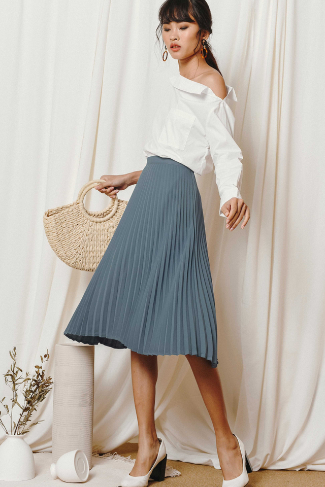 KELLY PLEATED MIDI IN ASH BLUE