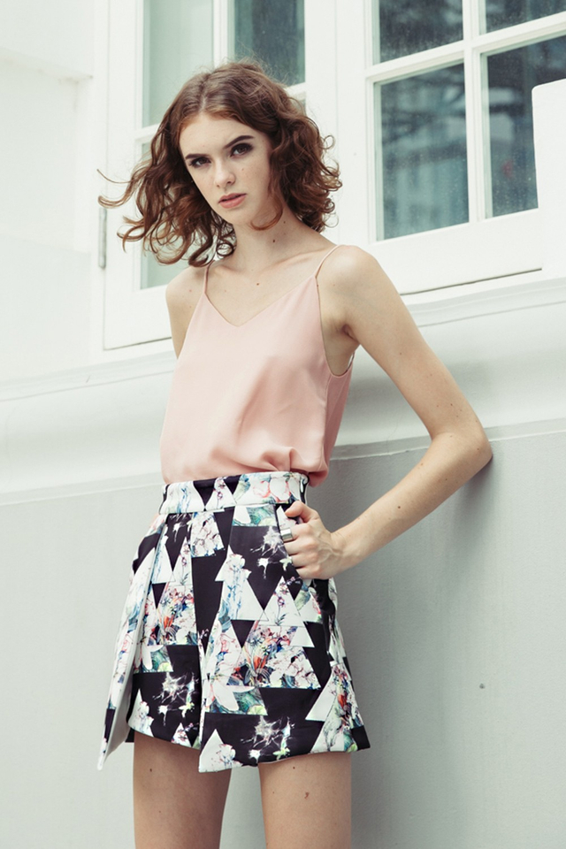 *BRIDGE* Palais Floral Skorts in Black