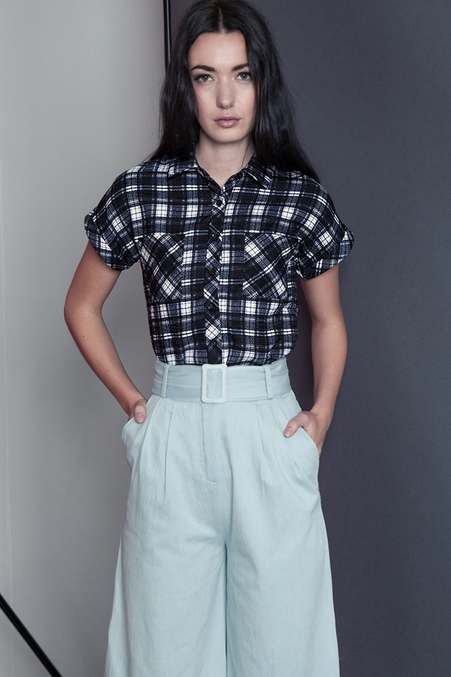 *BRIDGE* Plaid Pocket Top in Monochrome