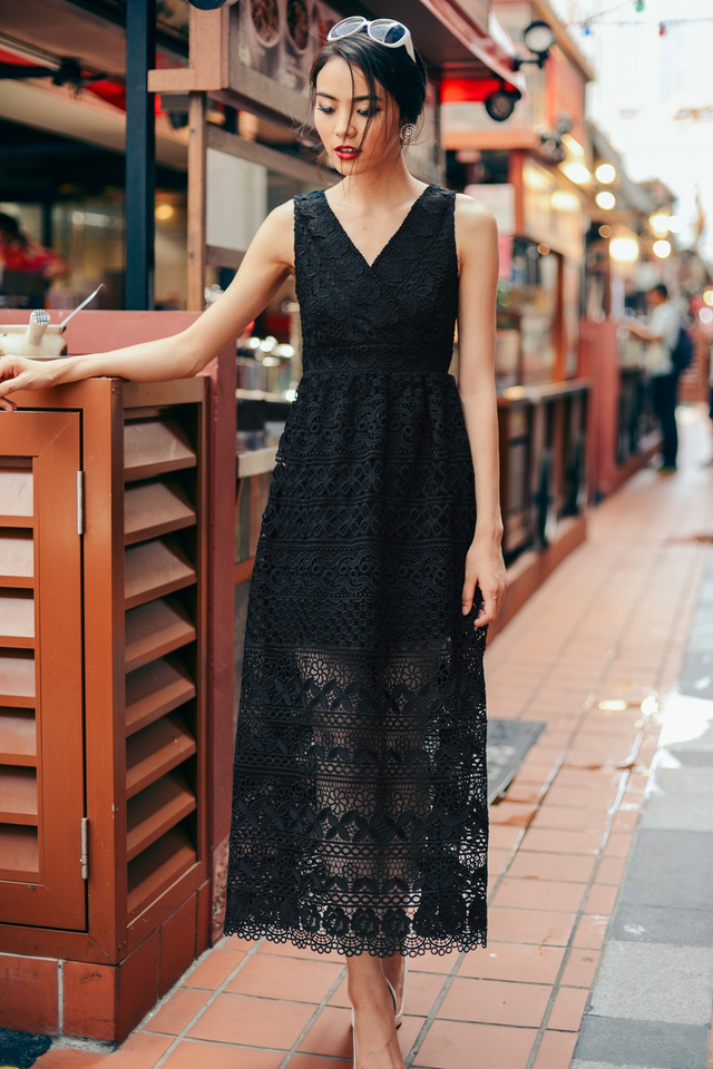 *PREMIUM**BRIDGE* Blanchett Maxi in Black