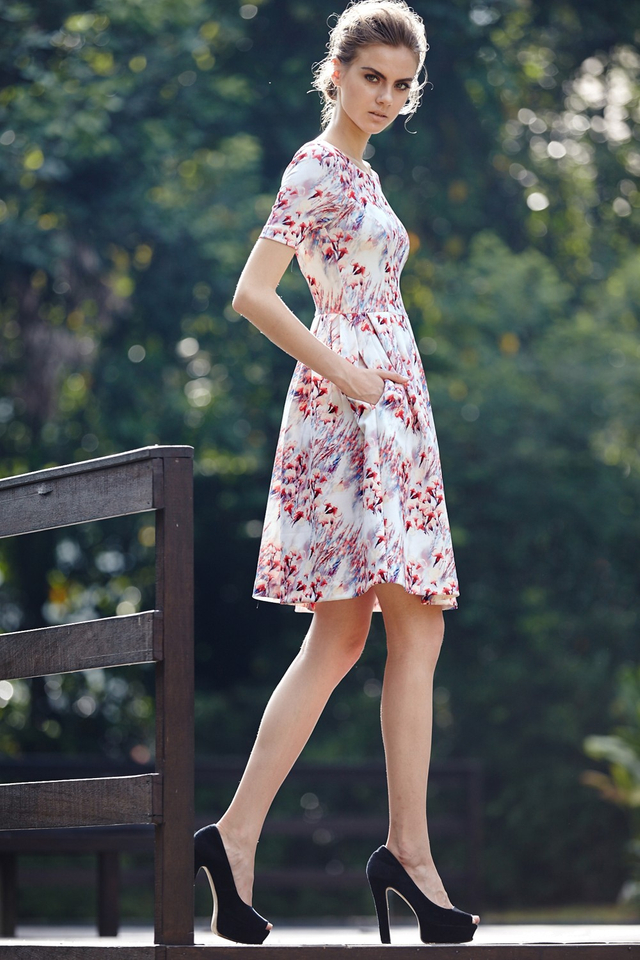 *BRIDGE* Monty Floral Midi in Coral