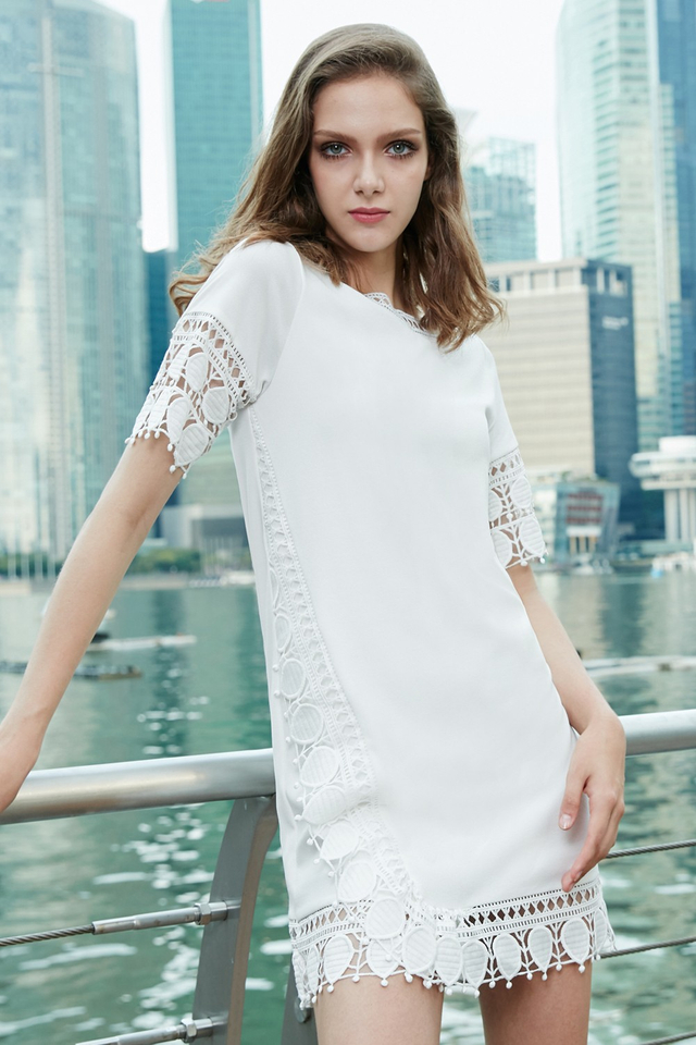 *BRIDGE* Reefs Shift Dress in White
