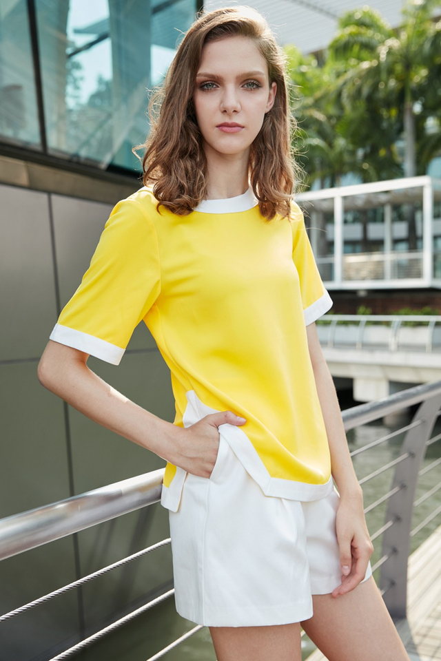 *BRIDGE* Contrast Hem Top in Yellow