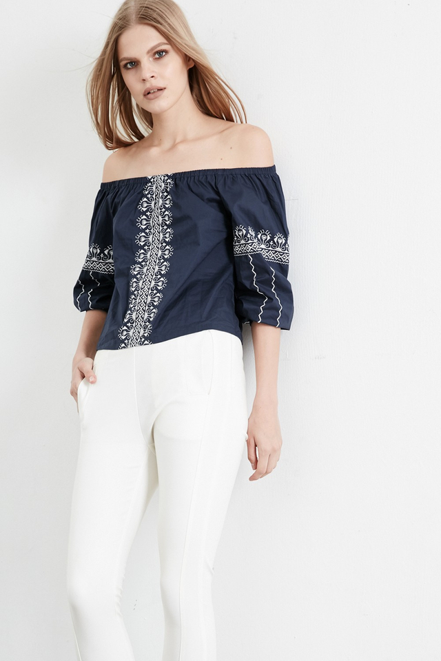 *BRIDGE* Siena Off Shoulder Top in Navy