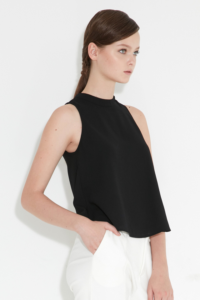*BRIDGE* Ceri Buckle Top in Black