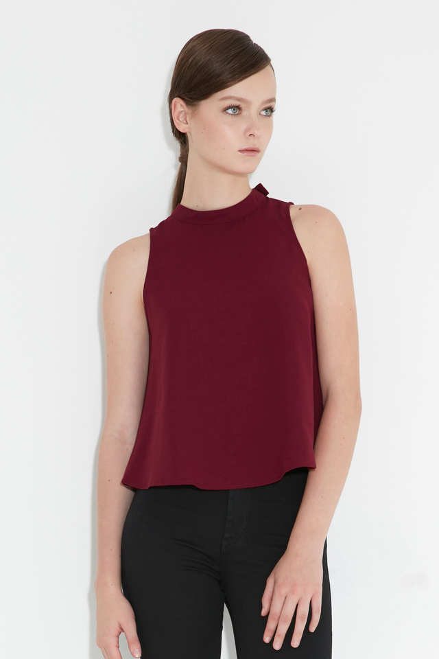 *BRIDGE* Ceri Buckle Top in Wine