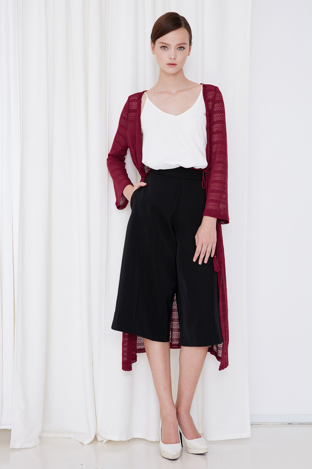 *BRIDGE* Tassel Knitted Pullover in Wine
